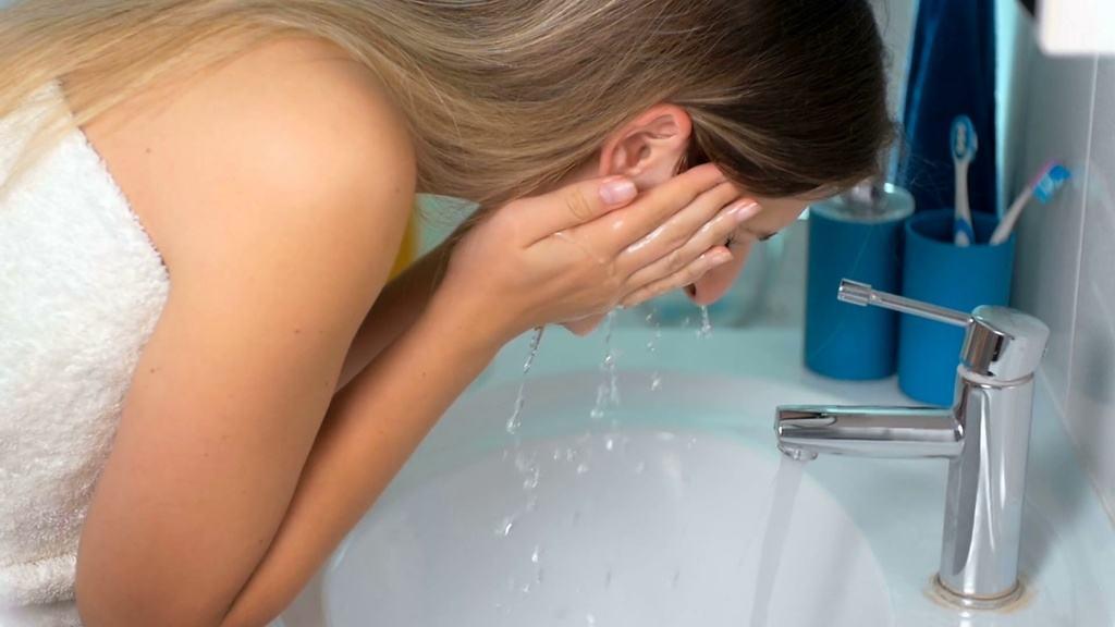 5 erros noturnos no cuidado com a pele 1